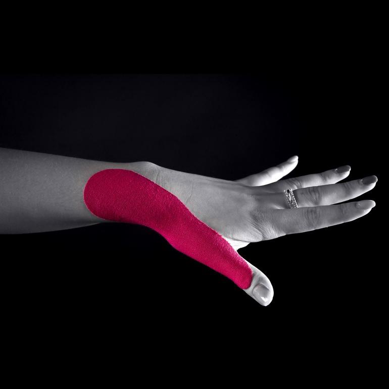 Противопоказания к наложению тейпа на кисть руки